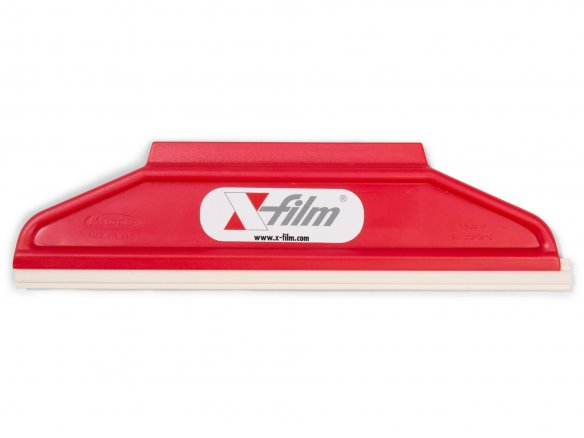 Plastic squeegee-type applicator with rubber lip