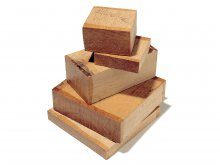 Solid oak wood pieces, rough-cut