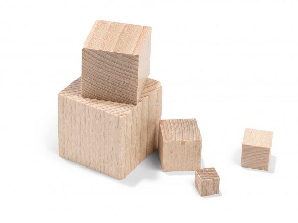 Cubo de madera de haya, en bruto