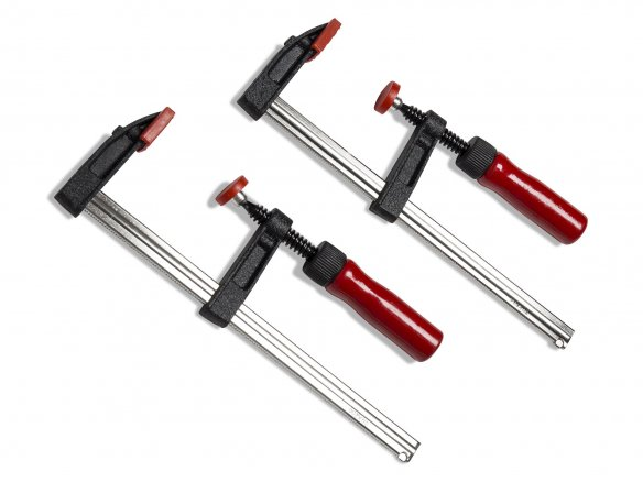 Set of adjustable clamps