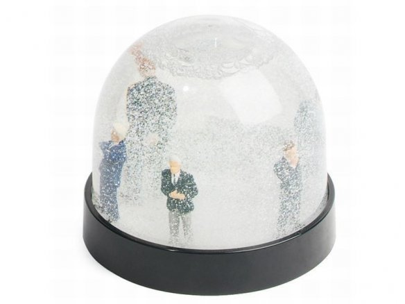 Do-it-yourself snowglobes